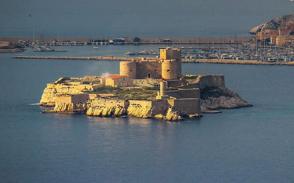 Le-chateau-dIf-Marseille