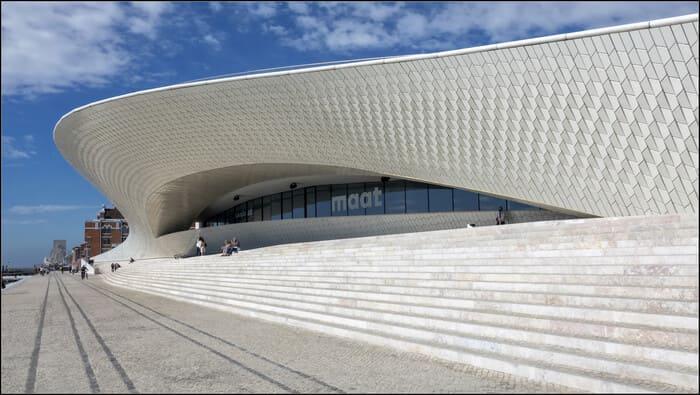 Musee-de-lArt-Architecture-et-Technologie-a-Lisbonne-MAAT