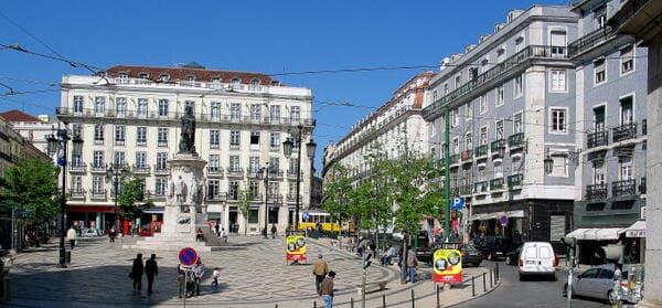 Il-quartiere-del-Chiado-Cosa-fare-a-Lisbona-in-4-giorni