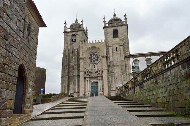 La-Cathedrale-de-Porto