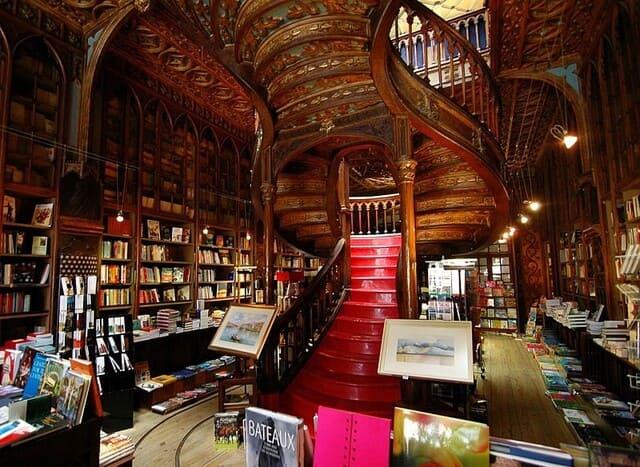 Livraria-Lello-la-piu-grande-libreria-del-mondo