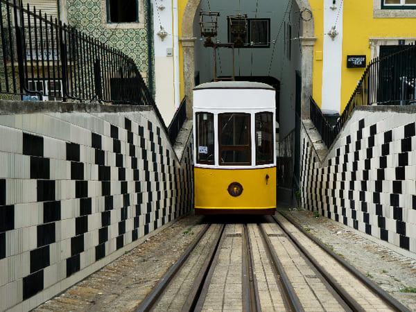 ascenseurs-de-Gloria-et-Bica-Lisbonne-en-4-jours