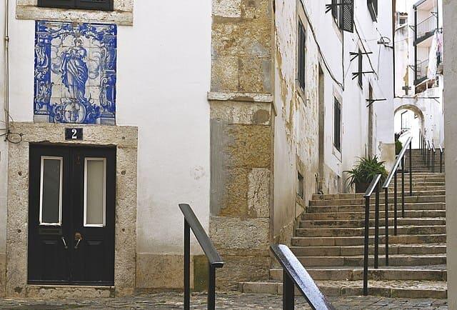 Alfama-Cosa-fare-a-Lisbona-in-2-giorni