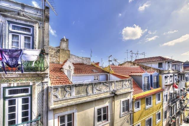 Esplora-i-quartieri-Bairro-Alto-a-Lisbona